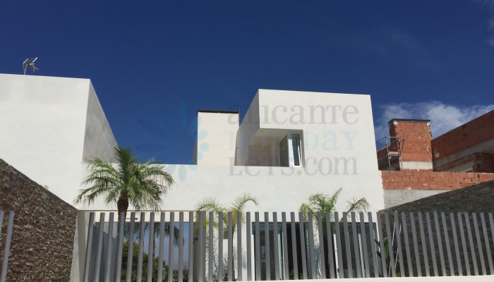 Villa in Ciudad Quesada for sale with Alicante Holiday lets, outside view