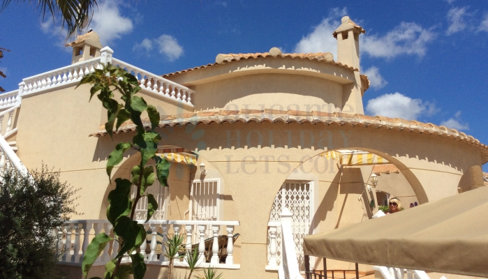 Villa for rent with Alicante Holiday Lets, outside area
