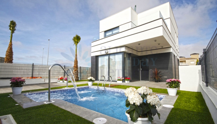 Villa and pool.  Alicante Holiday Lets