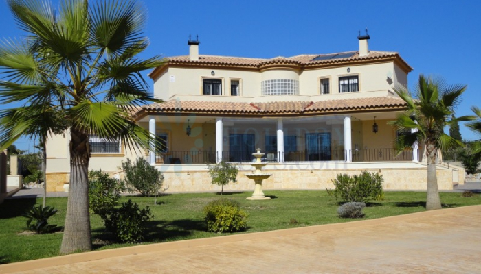 For Sale - villa - Los Montesinos